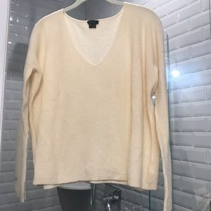 Theory Ribbed V-Neck Cream Pullover Sweater
